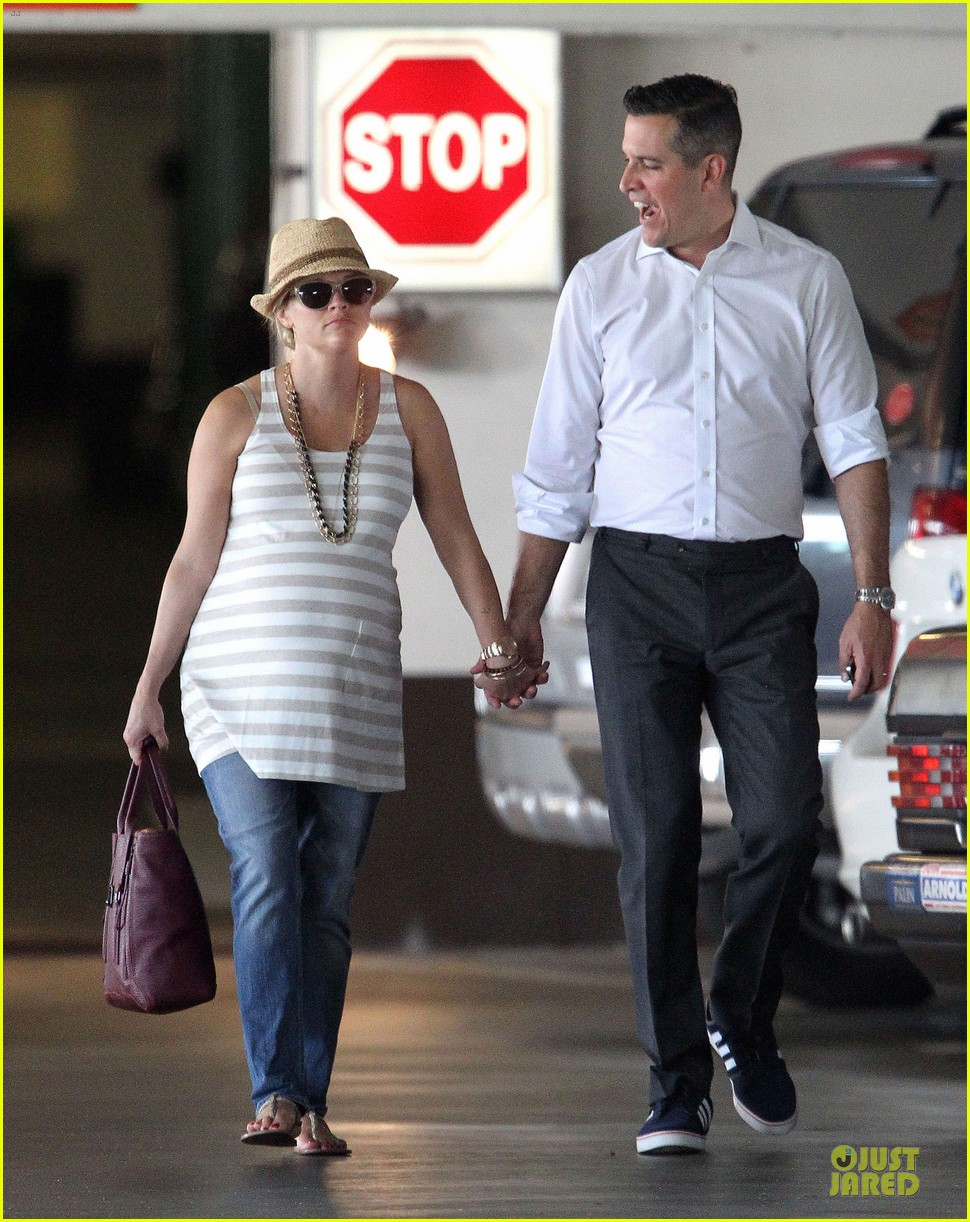 reese witherspoon hospital checkup with jim toth 072725802