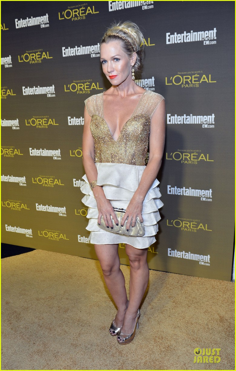 krysten ritter shenae grimes ew pre emmy party 17