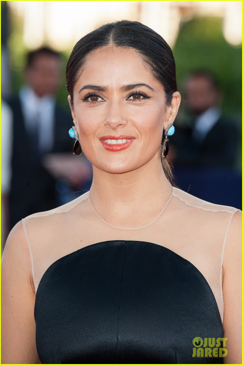 salma hayek deauville awards ceremony 022717930