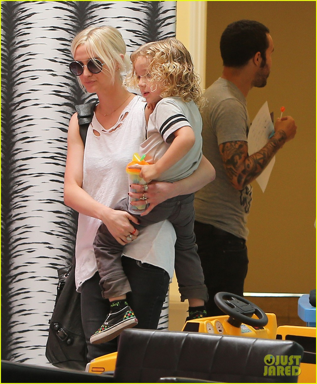 ashlee simpson pete wentz haircut for bronx 02