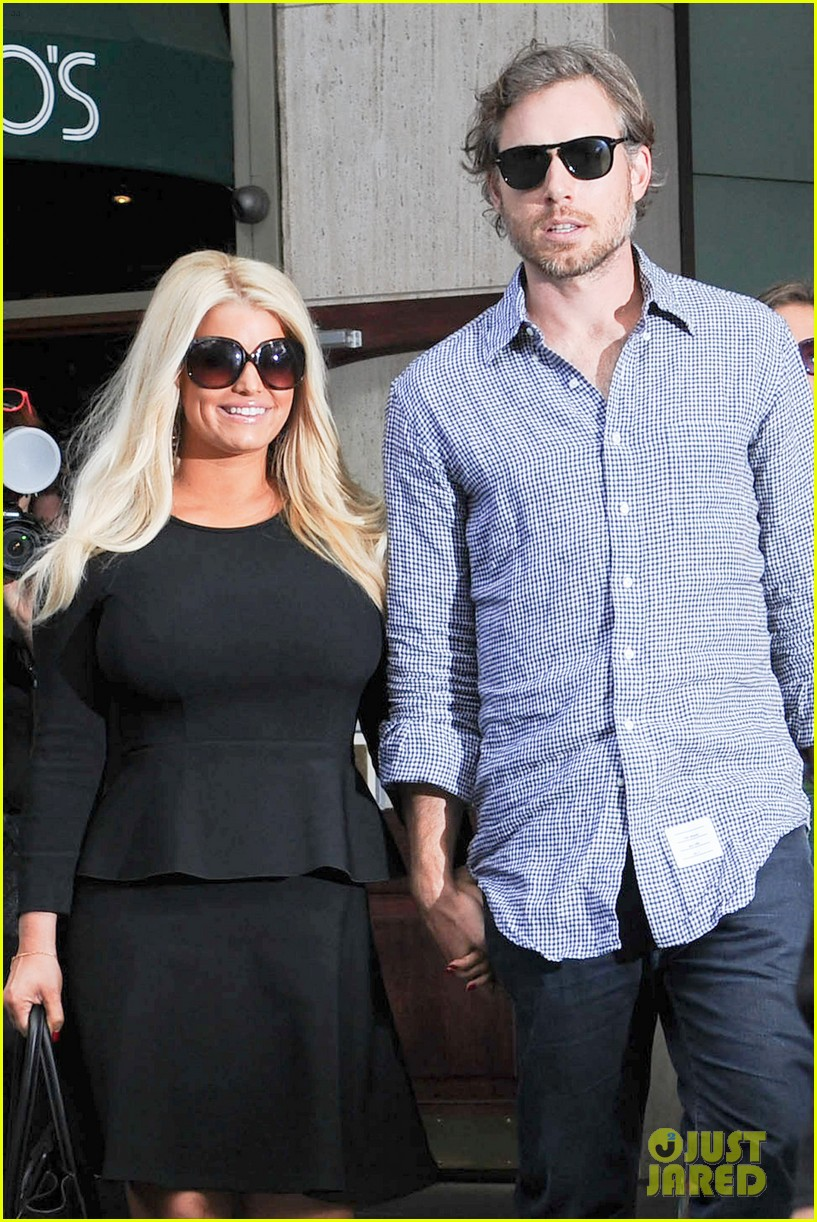 who is jessica simpson dating now Jessica simpson and her husband check out the latest pics of jessica simpson jessica posted a photo of her look pregnant kate hudson & boyfriend.