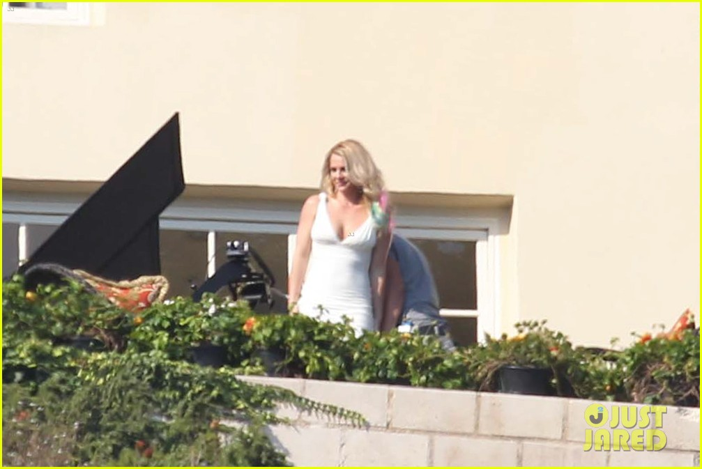 spears x factor house 02