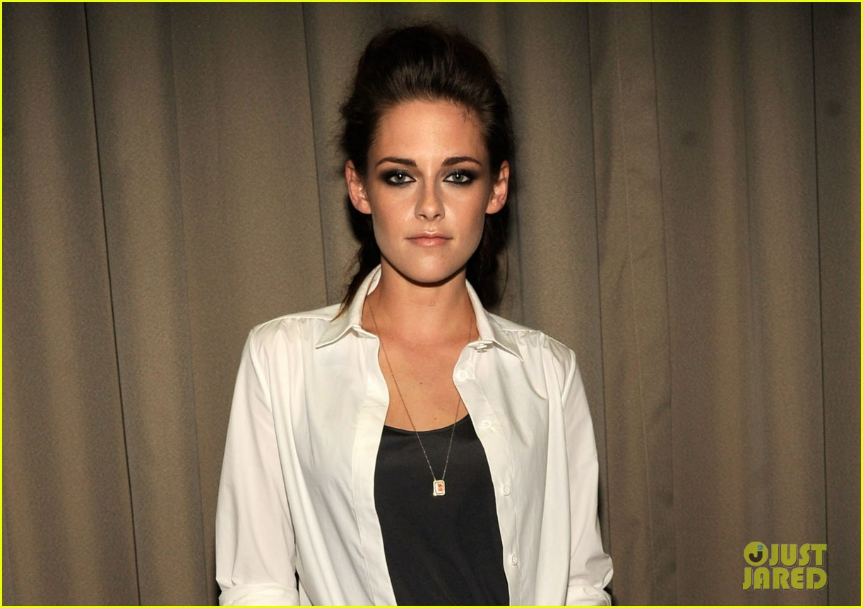 kristen stewart on the road nyc screening 05
