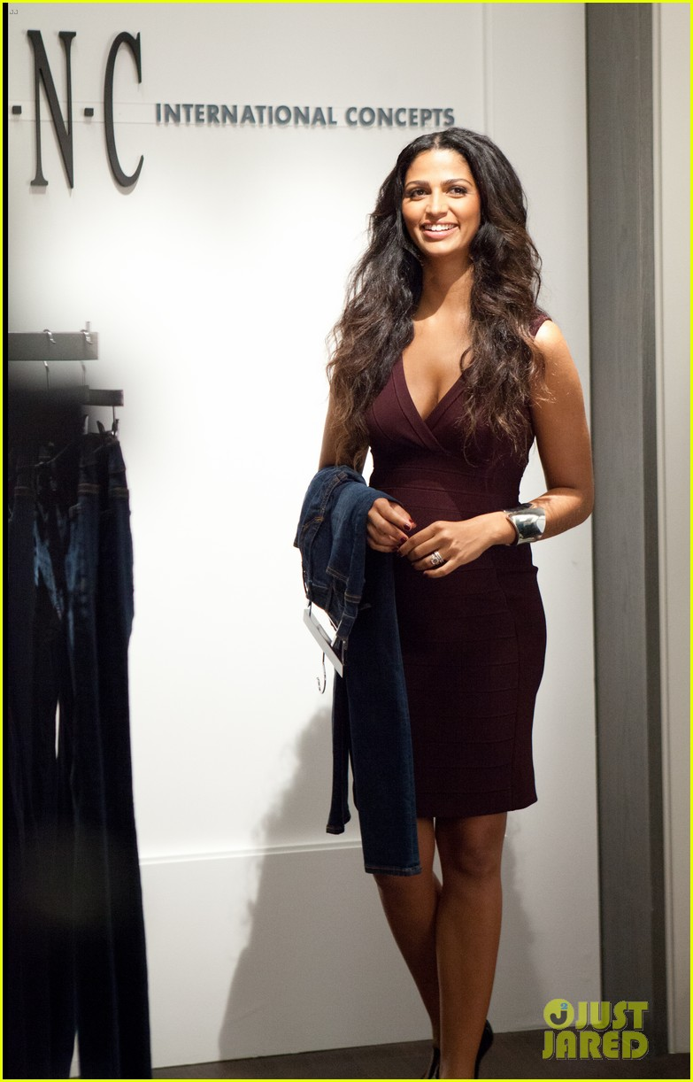 taylor swift camila alves macys fall tv spot stills 022715289