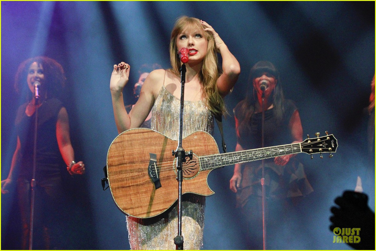 taylor swift perfornance in brazil 14