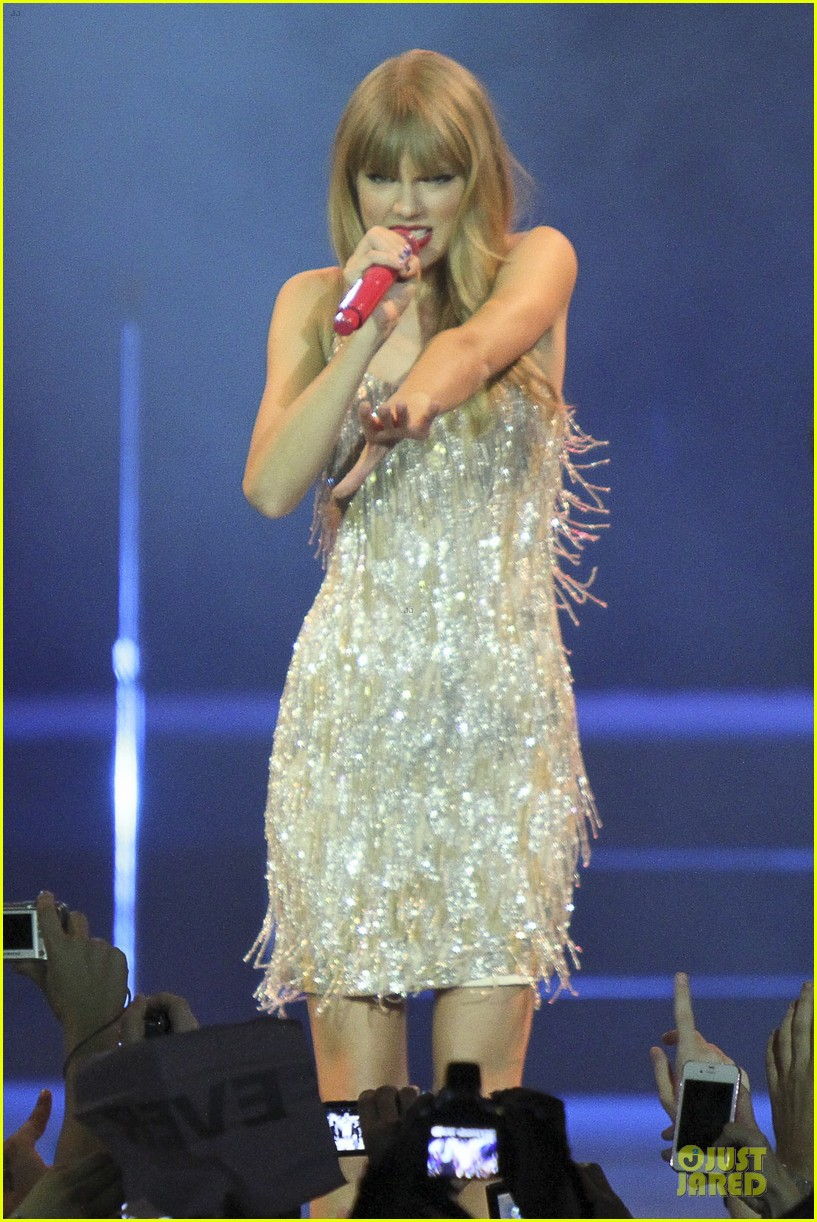 Taylor Swift: Rockin' Rio!: Photo 2721905