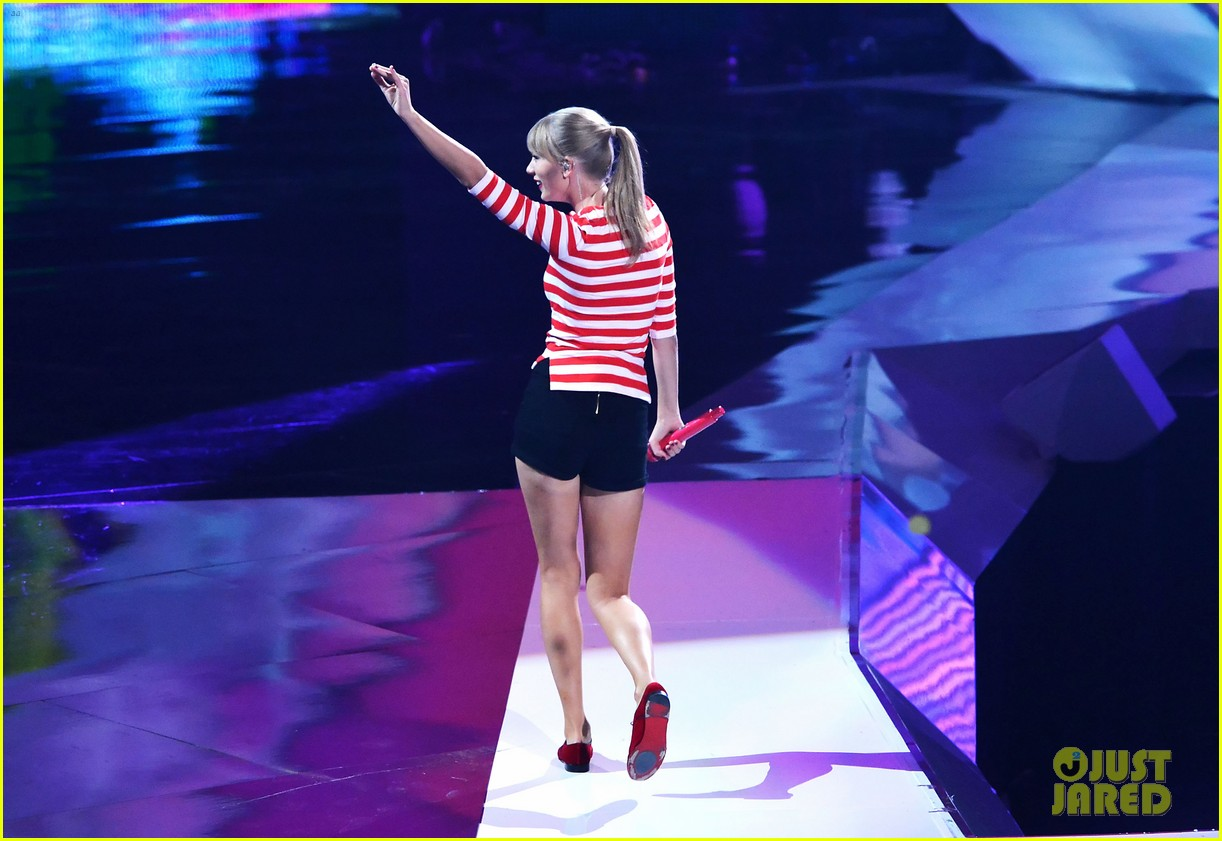 taylor swift mtv vmas performance 2012 watch now 032715815