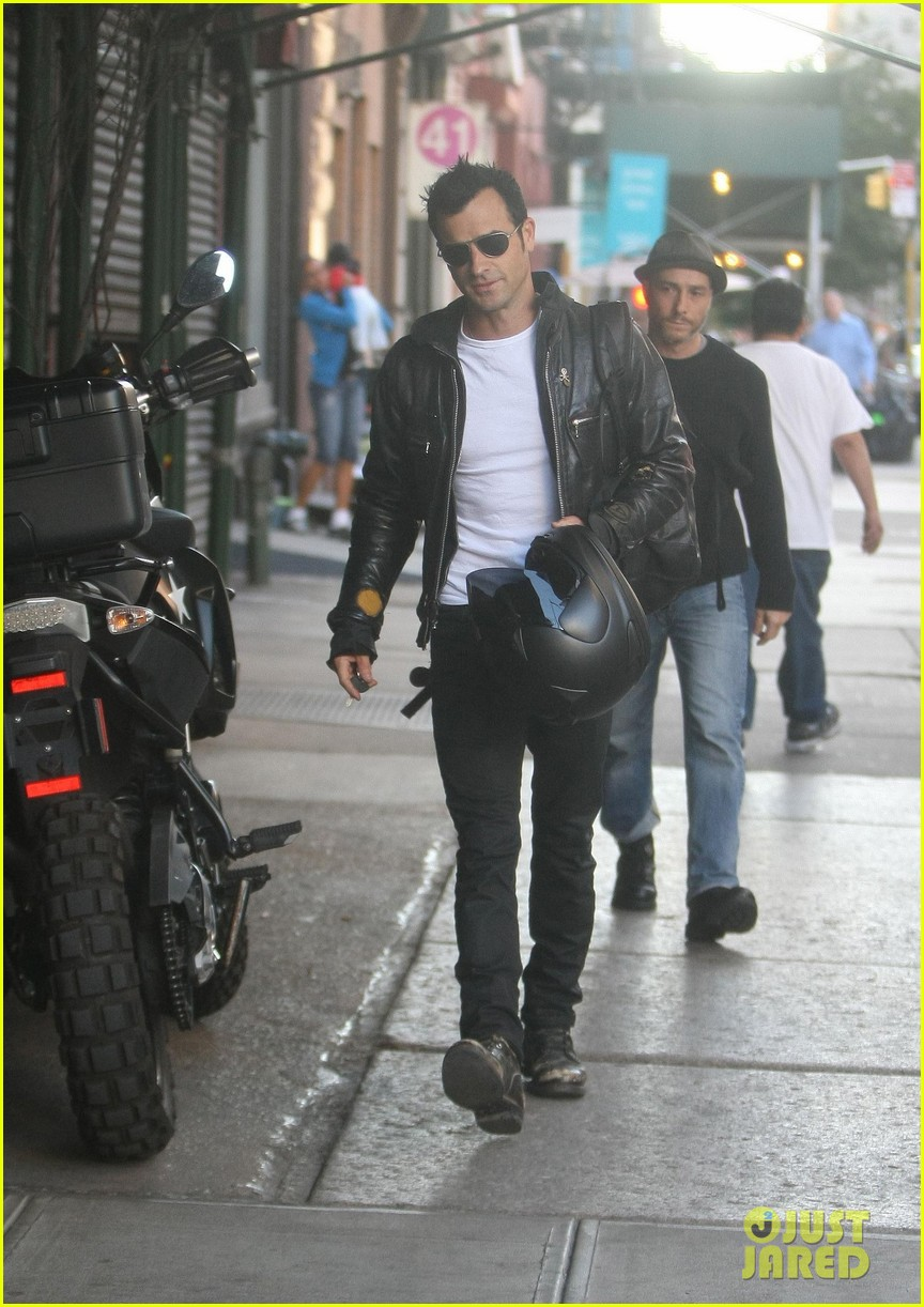 justin theroux manhattan motor man 19