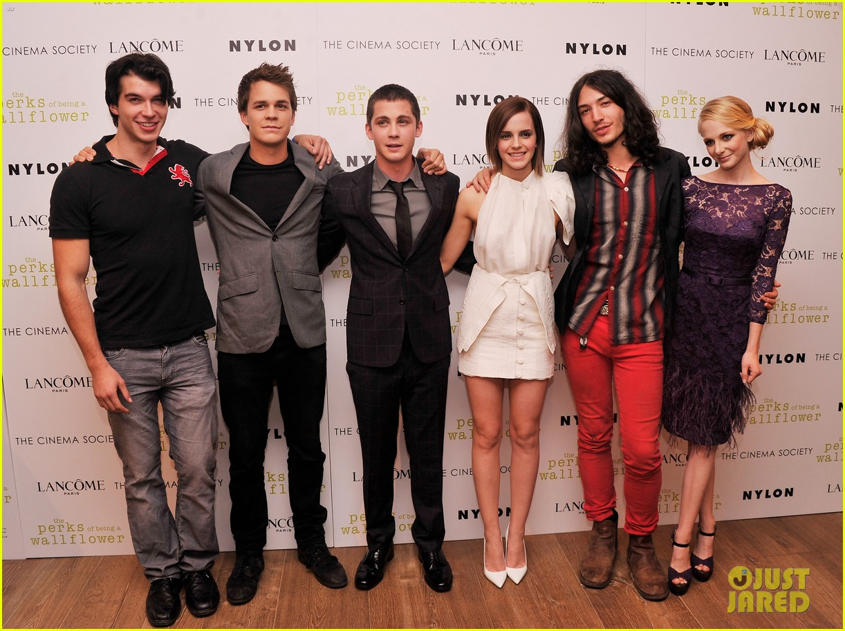 emma watson logan lerman perks screening in nyc 03