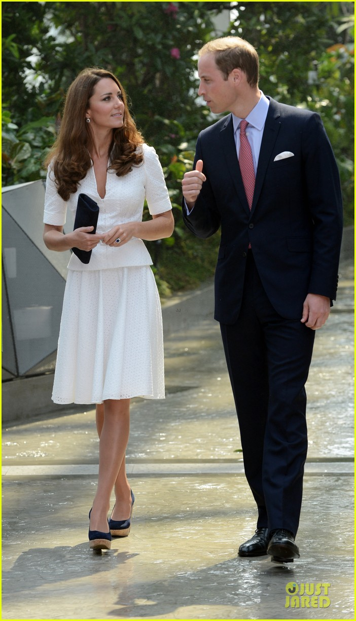 prince william duchess kate visit garden by the bay 01