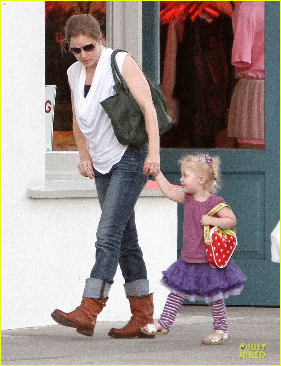 amy adams little next door restaurant with aviana 06