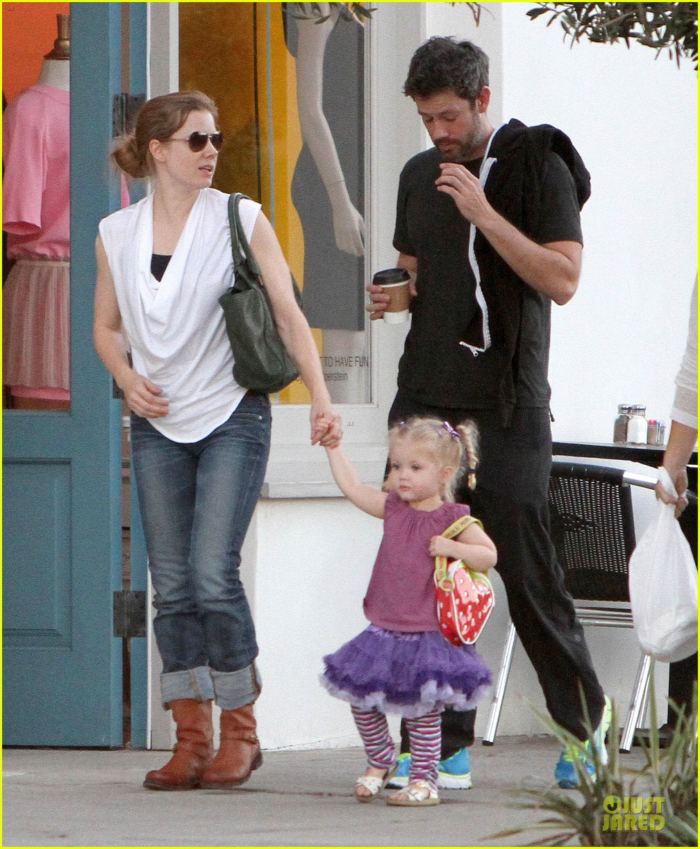 amy adams little next door restaurant with aviana 09