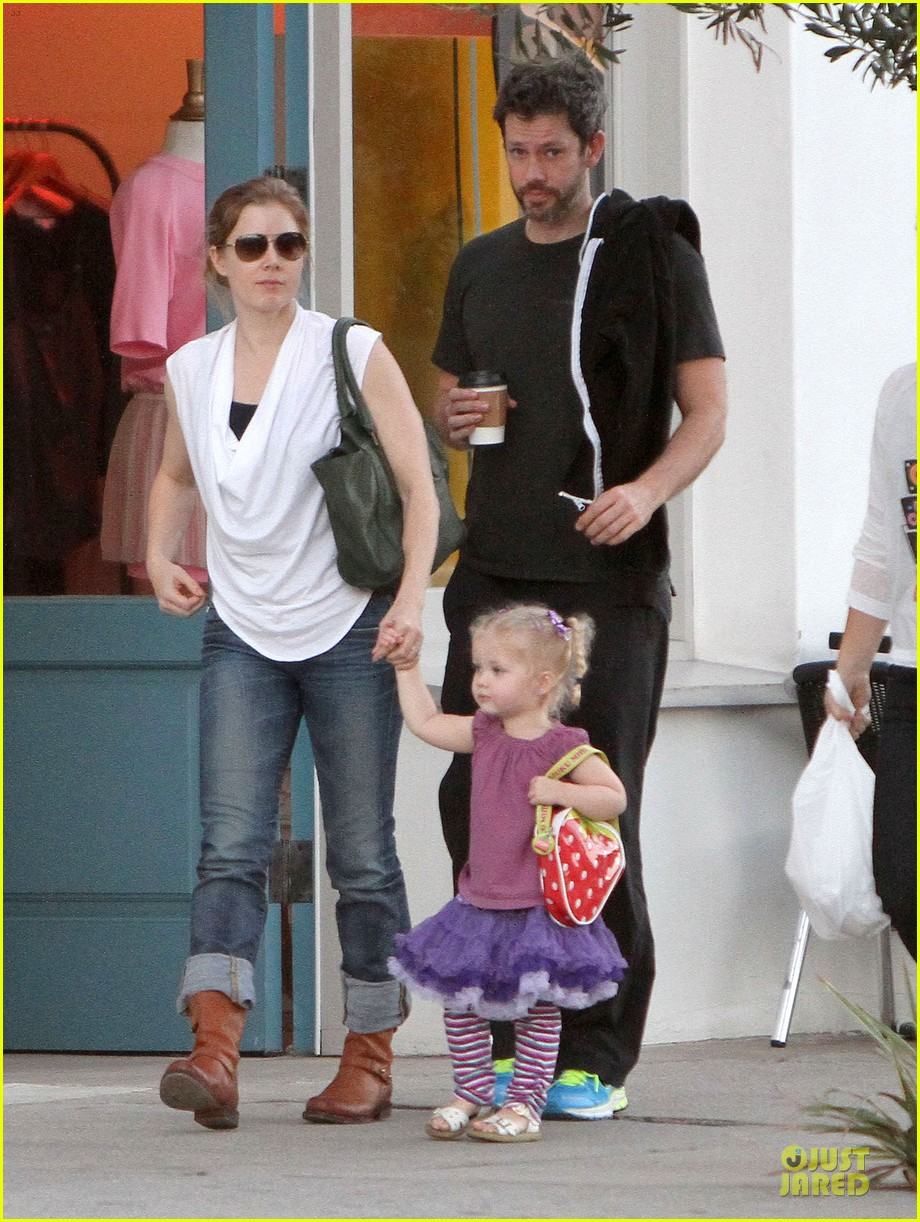 amy adams little next door restaurant with aviana 12