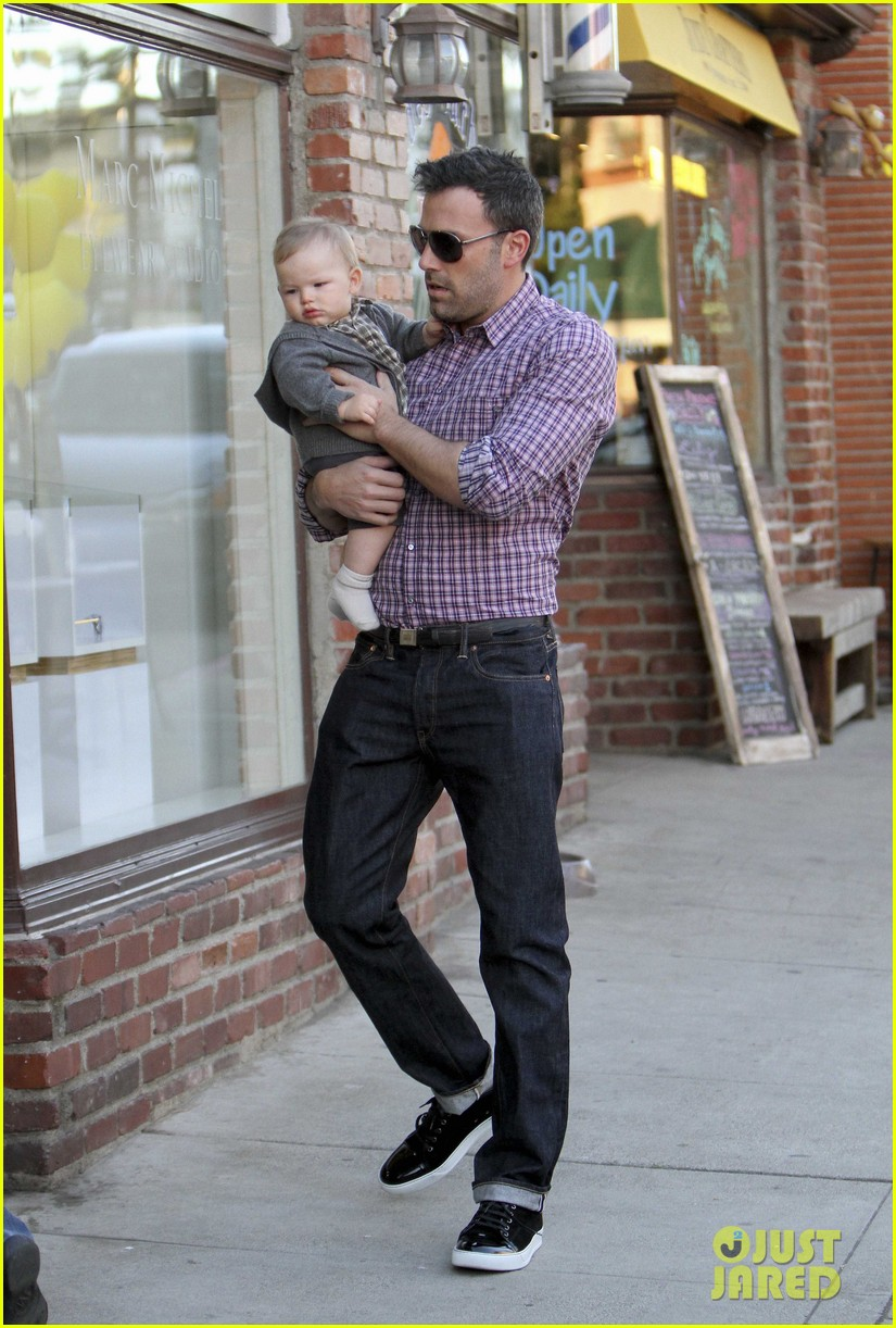 ben affleck jennifer garner family dinner with the kids 16