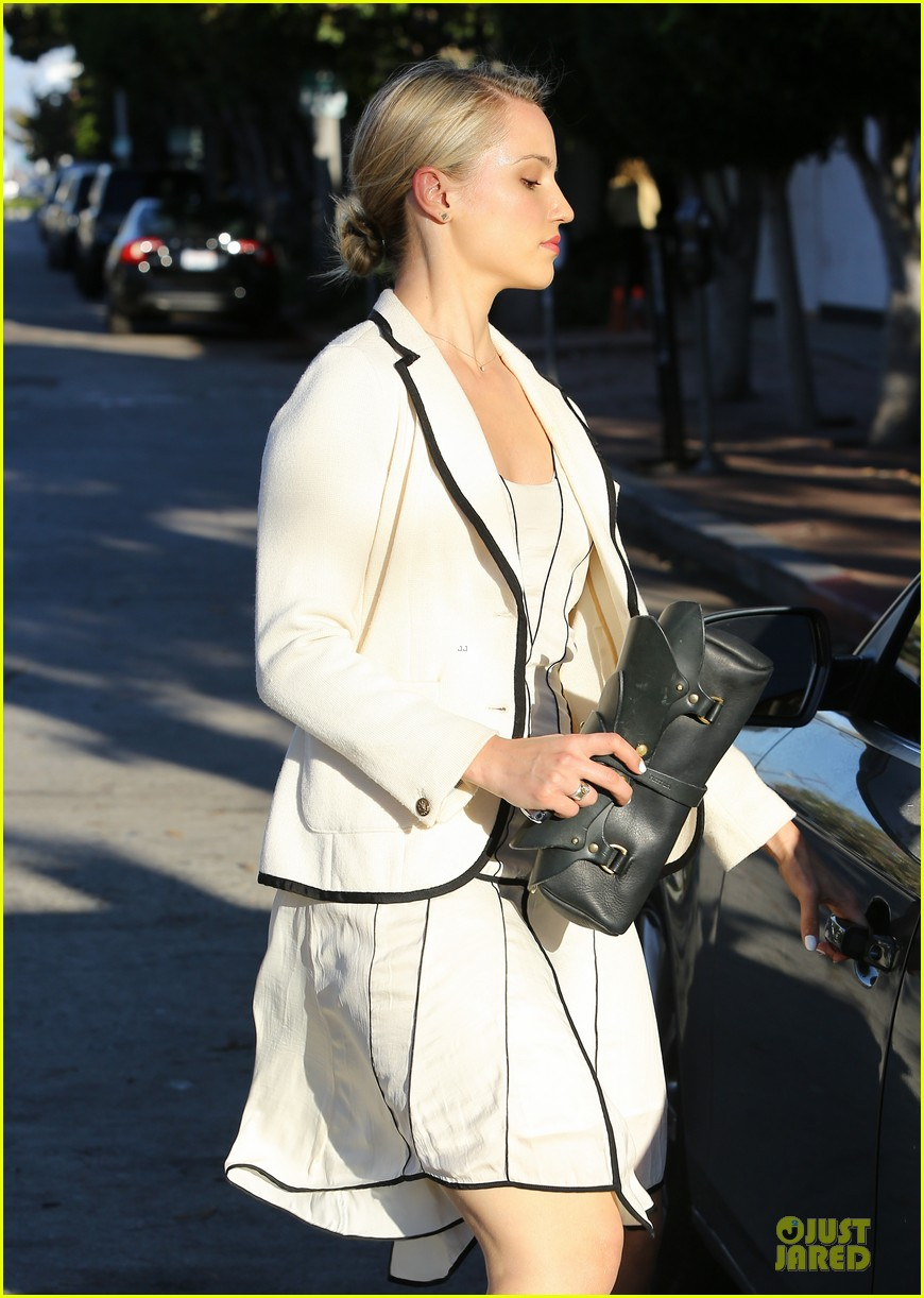 dianna agron nohting like bopping around europe with friends 04