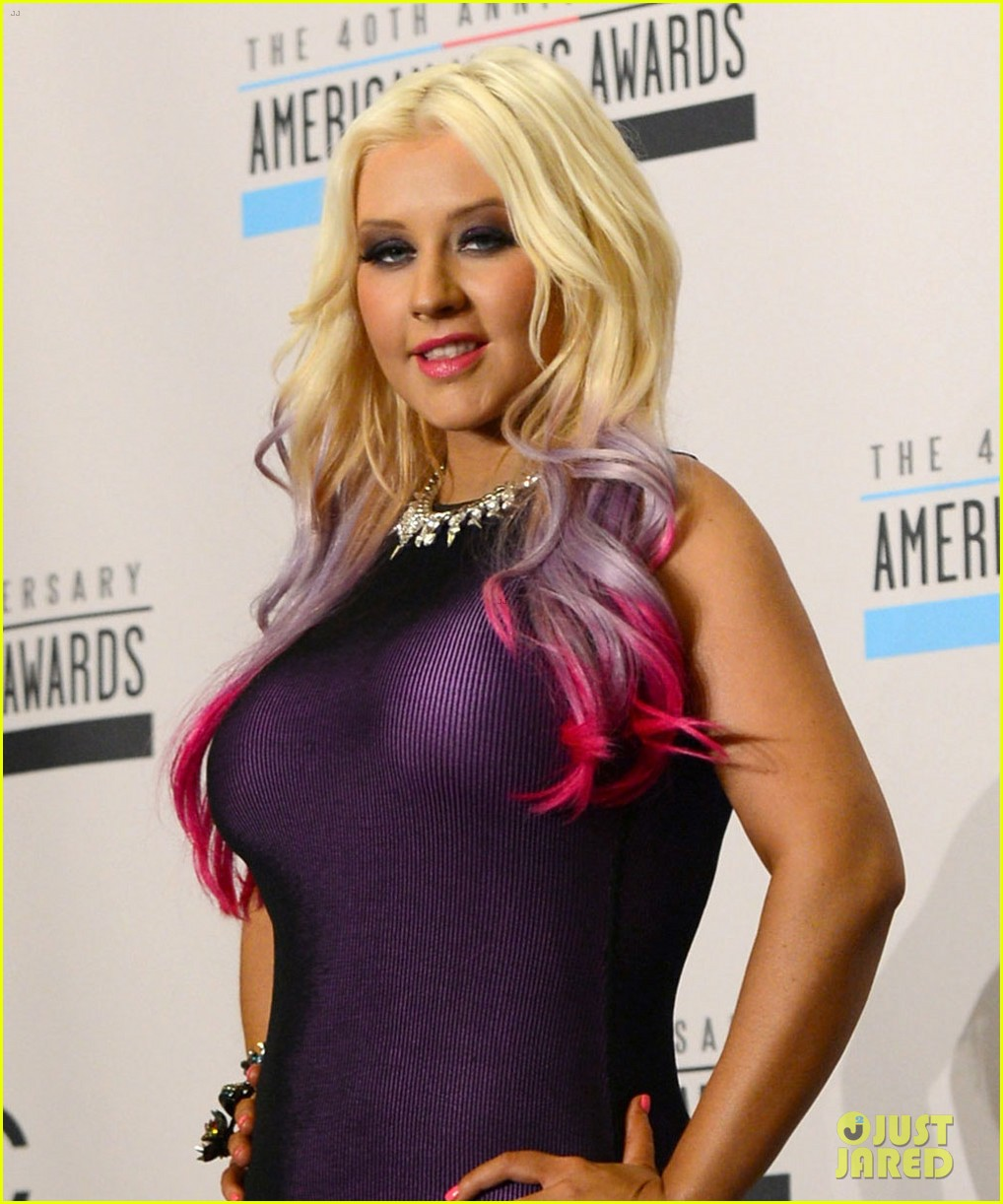 christina aguilera announces american music awards nominations 01