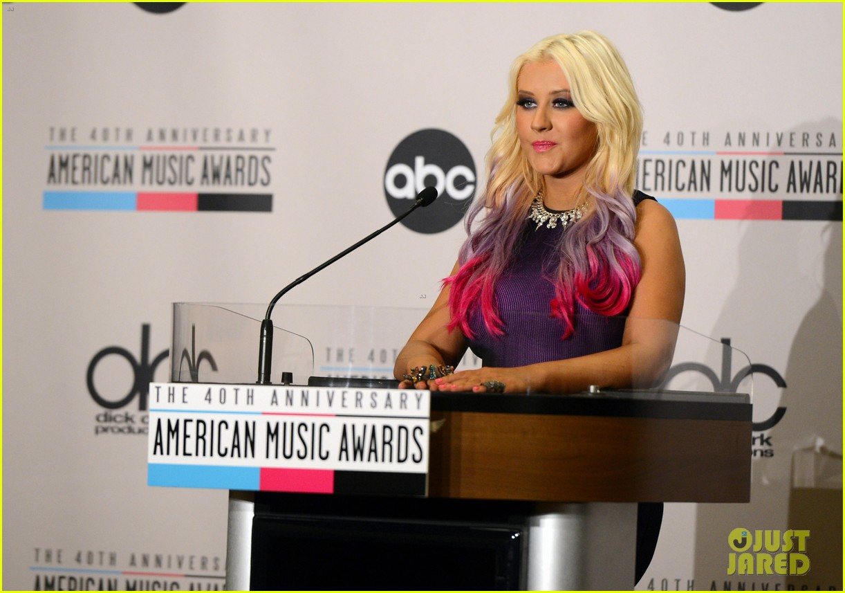christina aguilera announces american music awards nominations 03