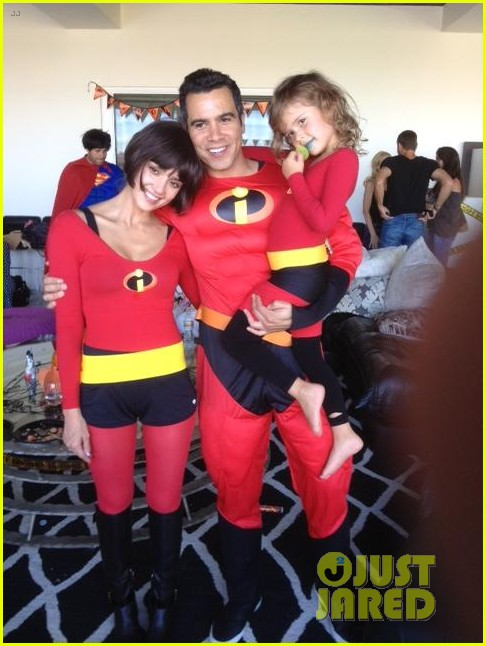 jessica alba family the incredibles for halloween 05