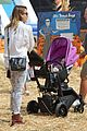 jessica alba cash warren pumpkin patch with the girls 09