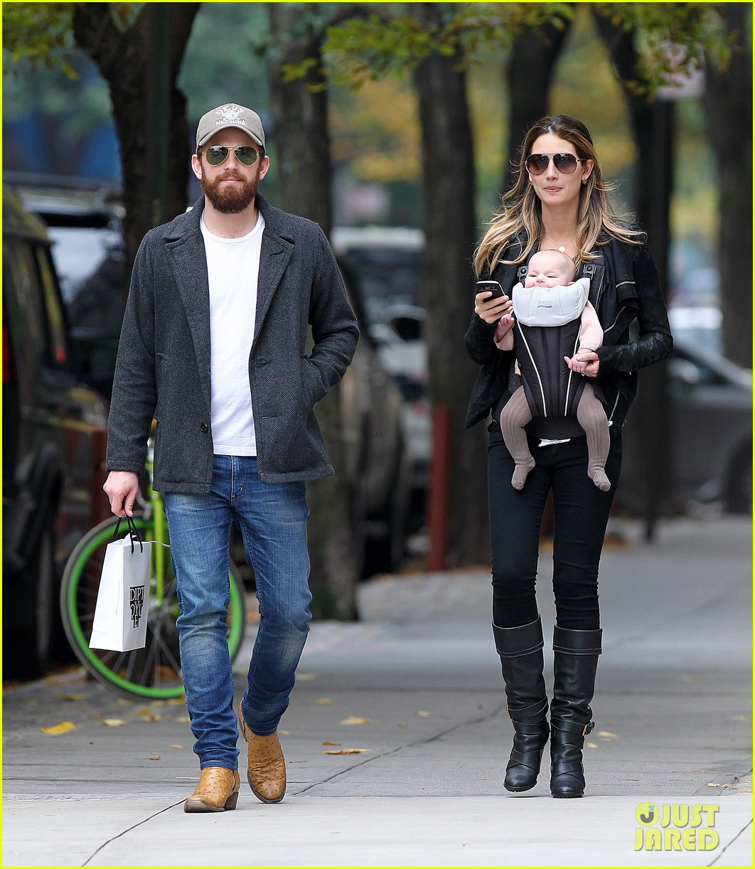 lily aldridge caleb followill big apple stroll with dixie 01