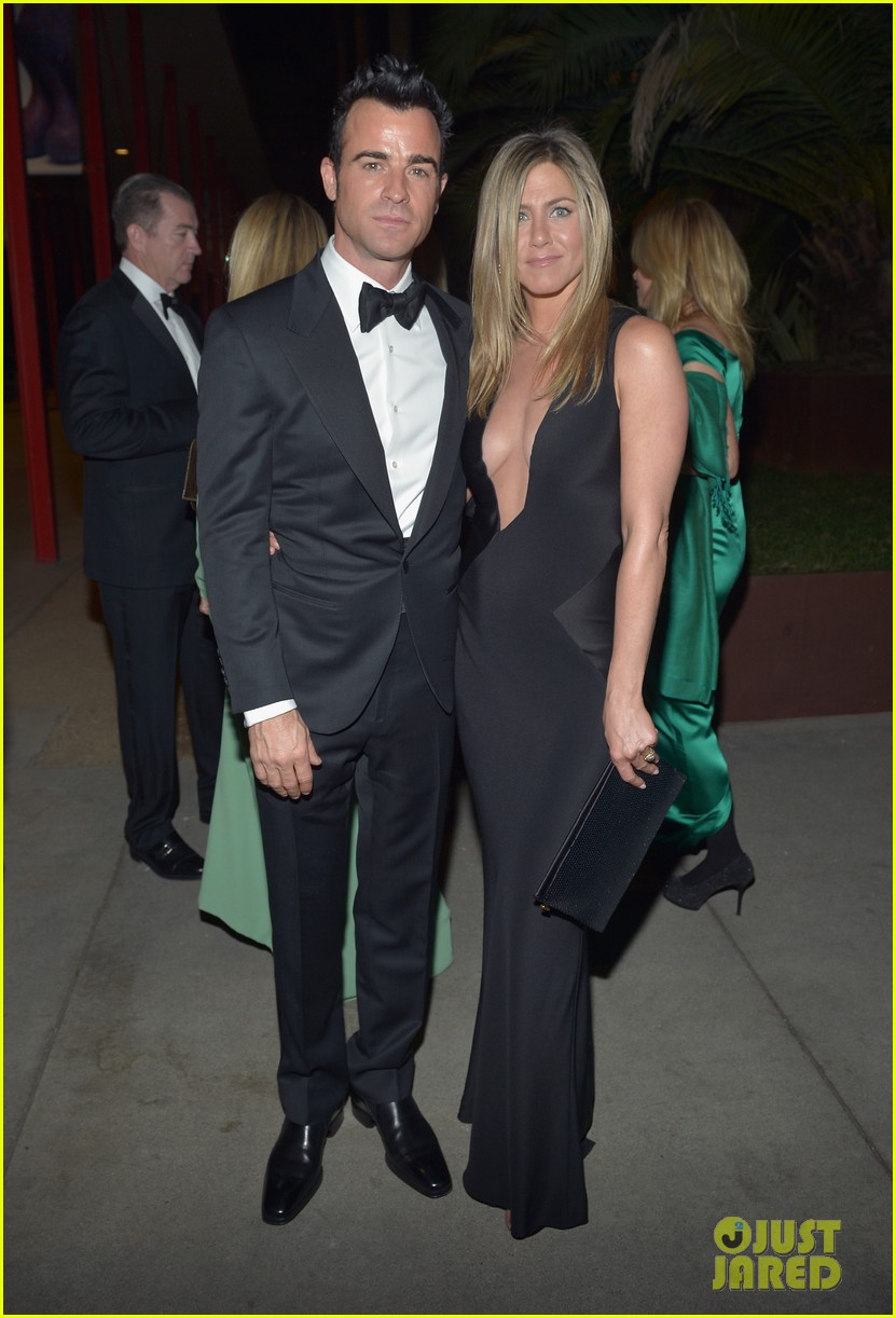 jennifer aniston justin theroux lacma gala with drew barrymore 05