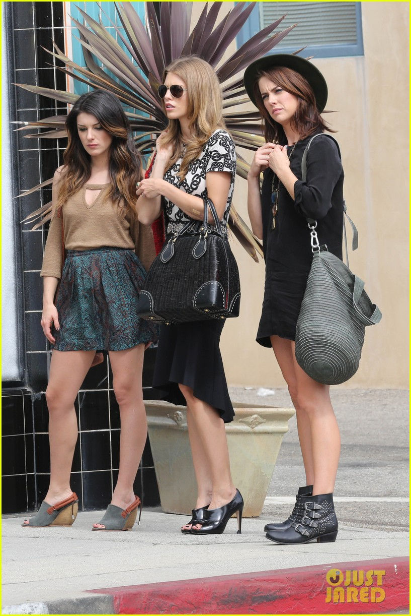 annalynne mccord 90210 set with shenae grimes and jessica lowndes 022733390