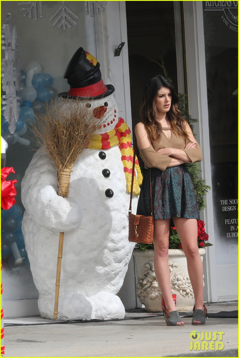 annalynne mccord 90210 set with shenae grimes and jessica lowndes 052733393