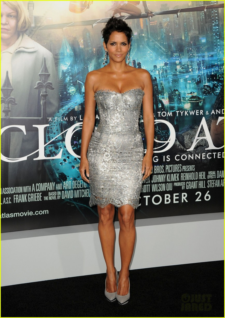 halle berry cloud atlas premiere with olivier martinez 03