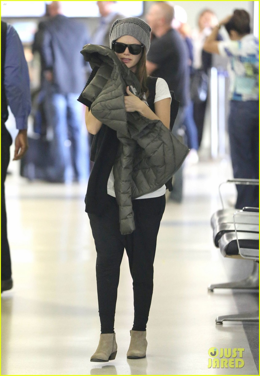 rachel bilson lax mom pick up 04