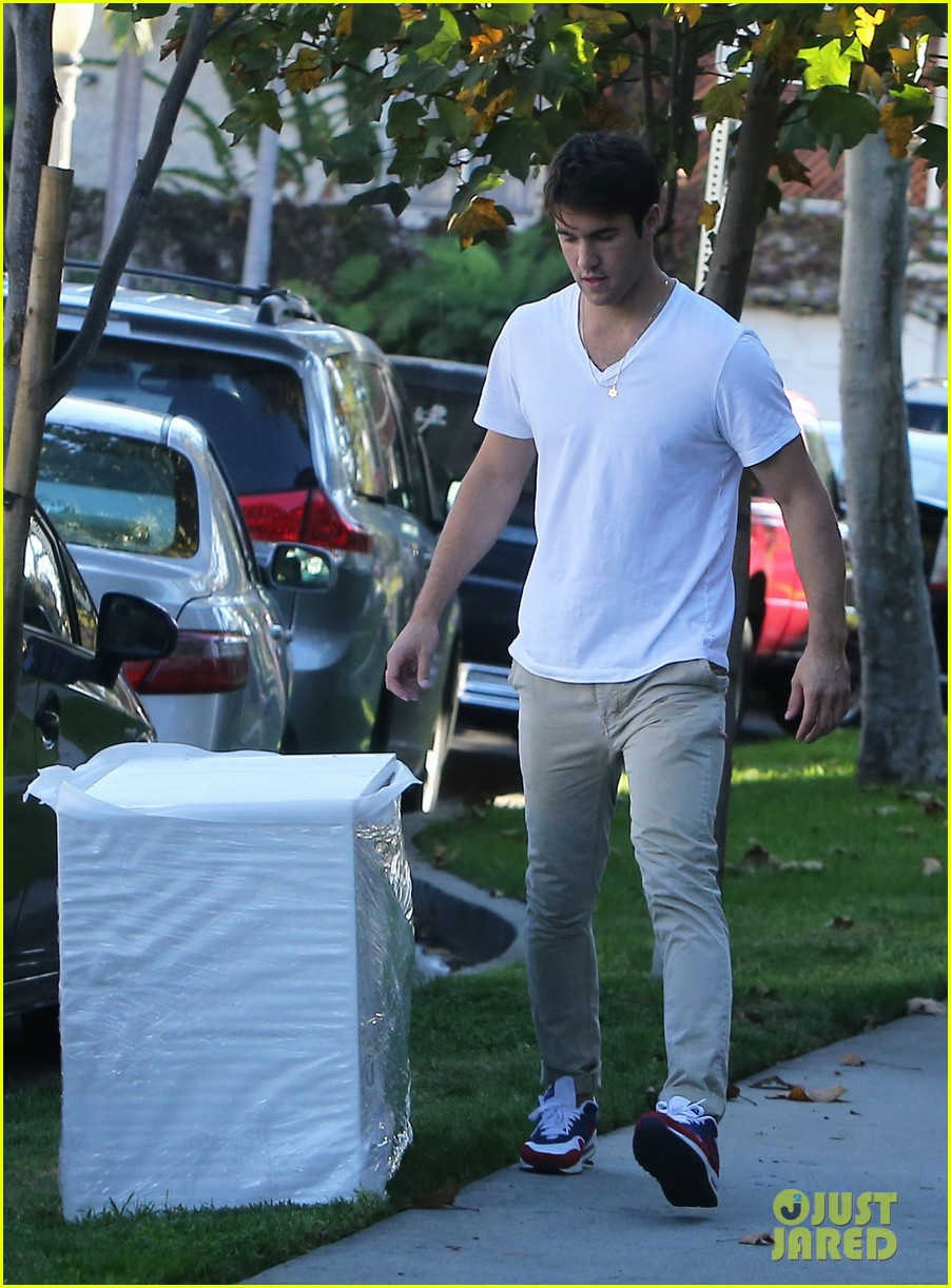 joshua bowman ashley madekwe furniture shopping 162744020
