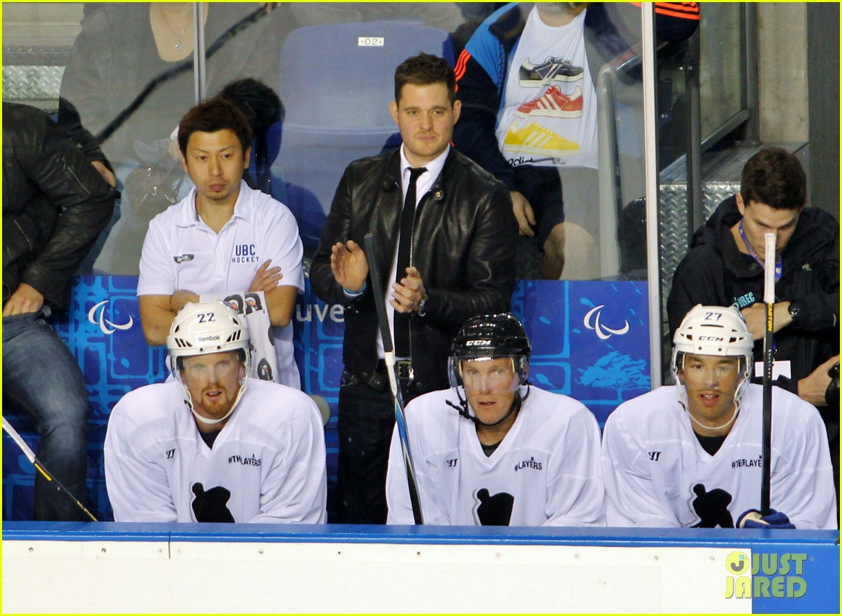 michael buble bieksas buddies charity hockey game 10