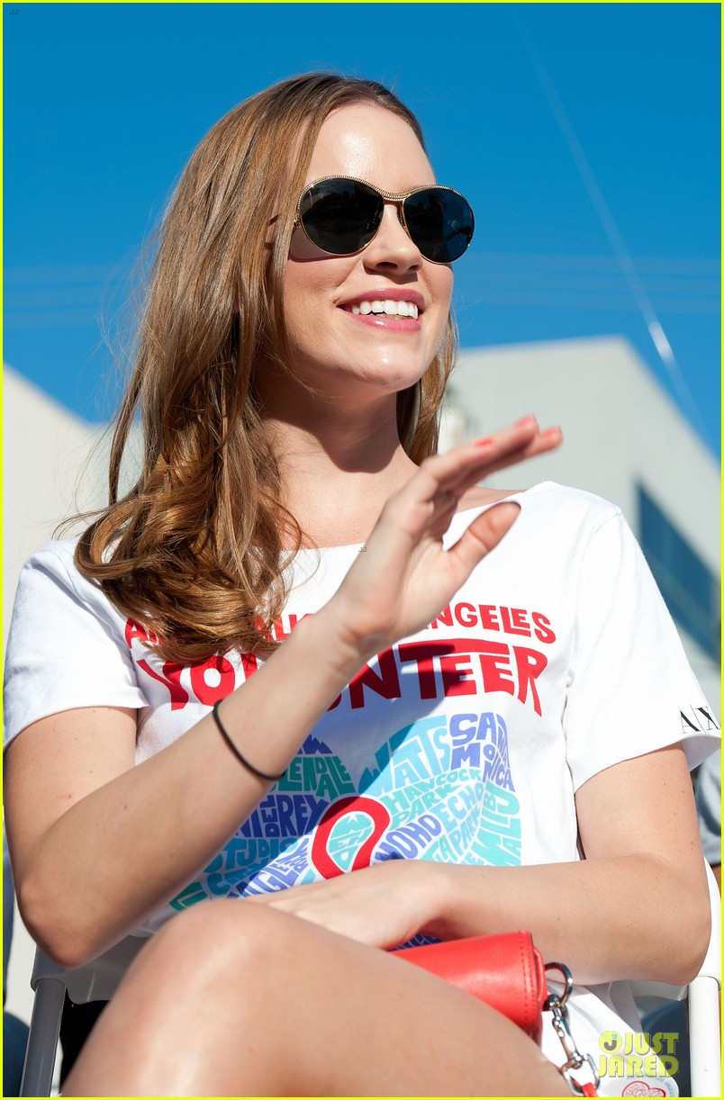 sophia bush christa b allen aids walk 20