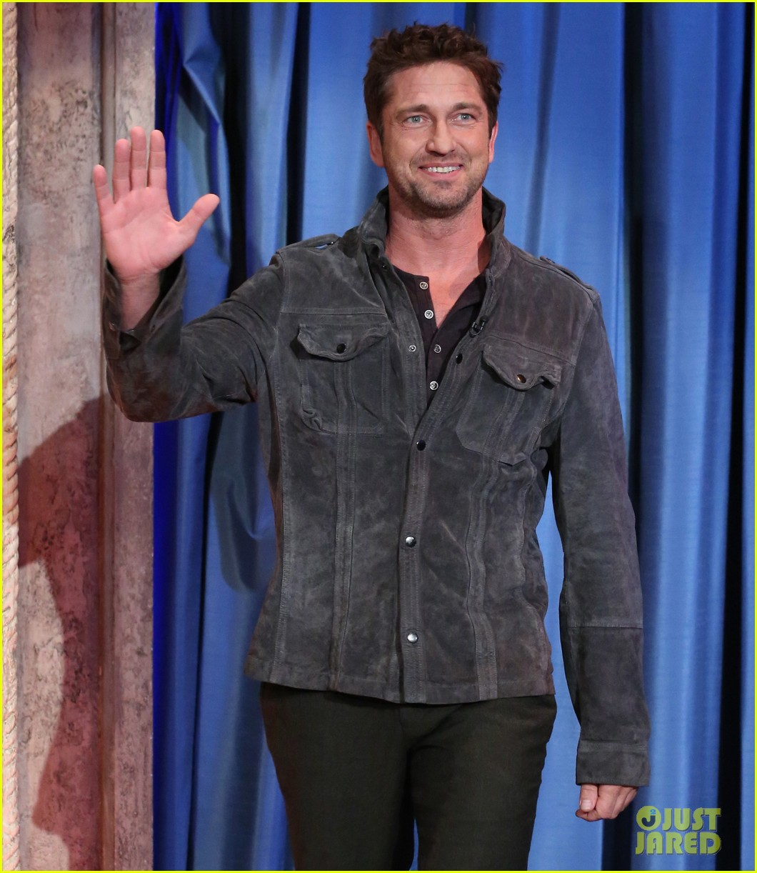 gerard butler late night with jimmy fallon appearance 01
