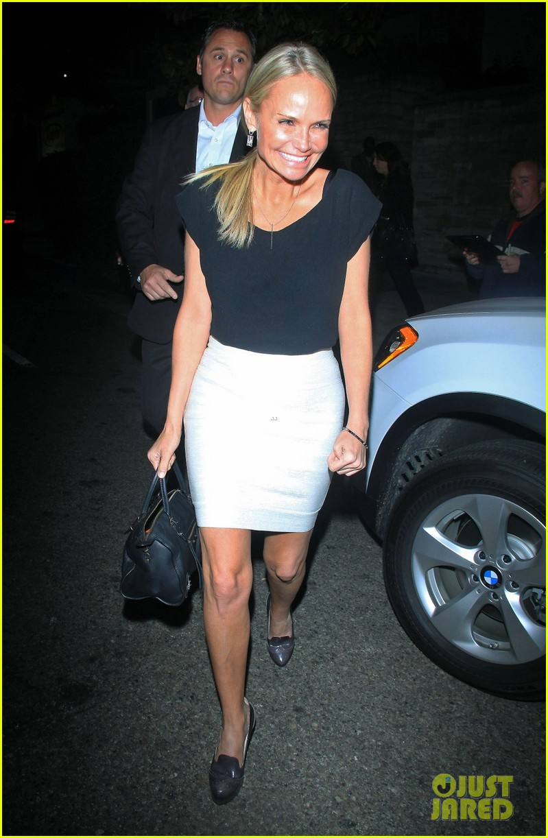kristin chenoweth tom hanks attend rita wilson concert 01