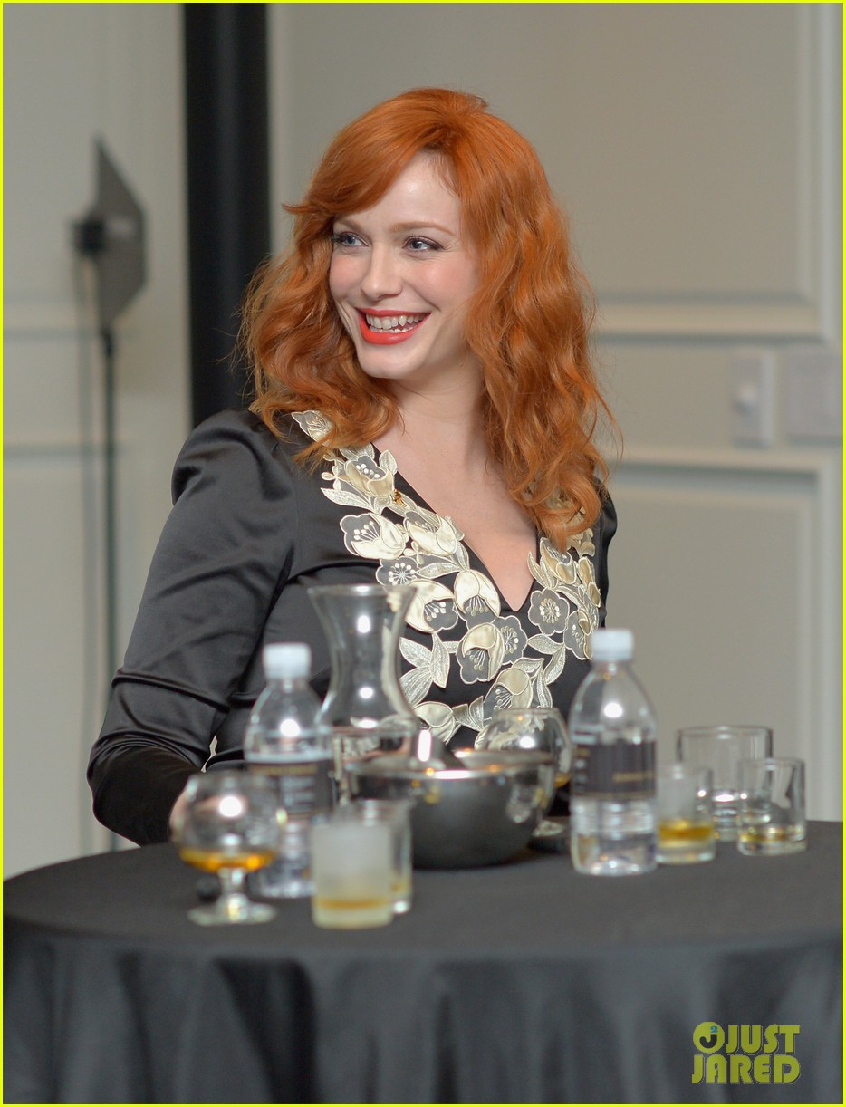 christina hendricks house of walker surprise guest 07