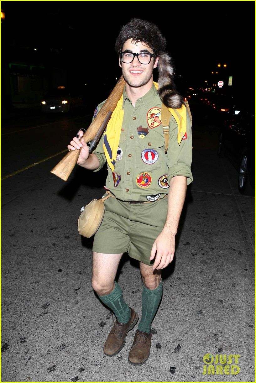 chris colfer darren criss matthew morrison halloween party 01