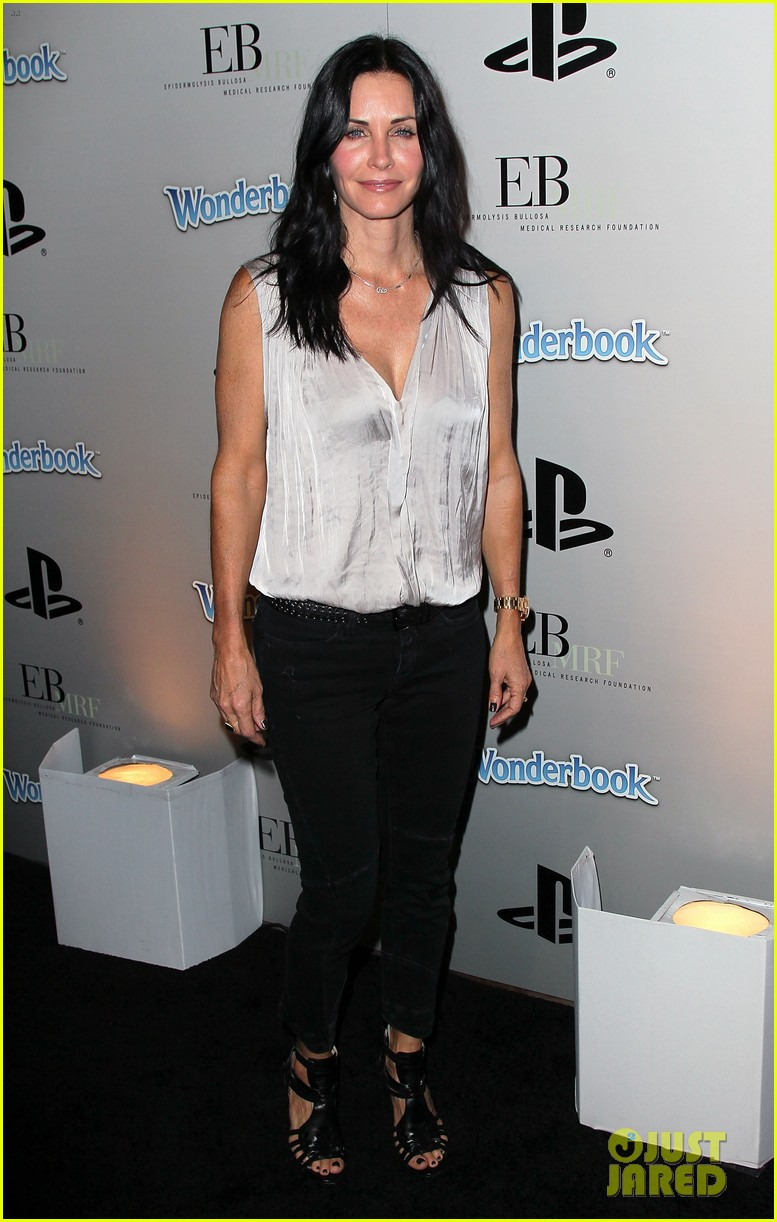 courteney cox james marsden playstation halloween bash 01