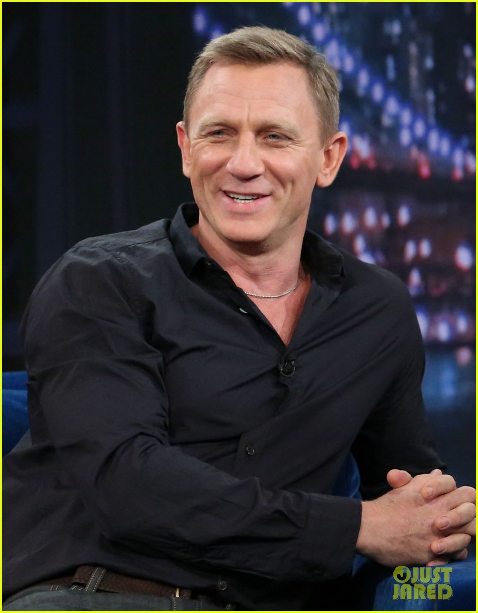 daniel craig late night with jimmy fallon visit 02