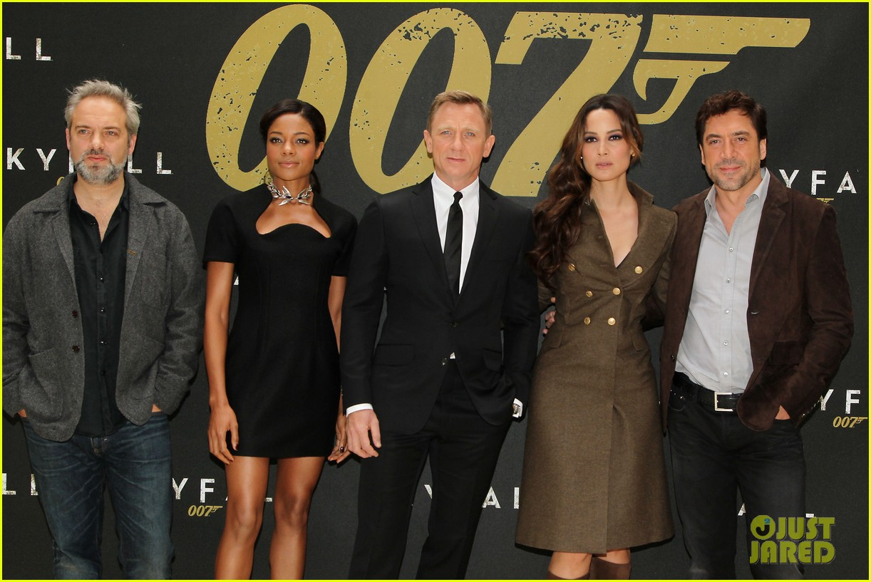 daniel craig skyfall photo call 07