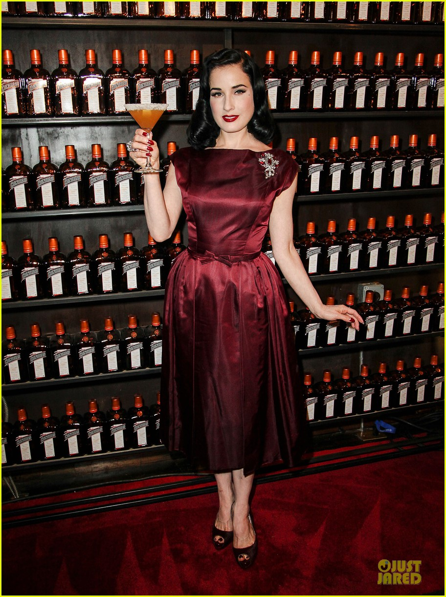 dita von teese cocktail debut in new york 11