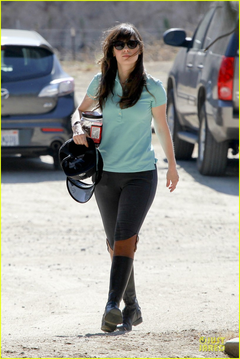 zooey deschanel horseback riding class 06