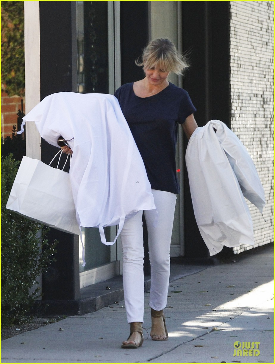 cameron diaz beverly hills shopping trip 01