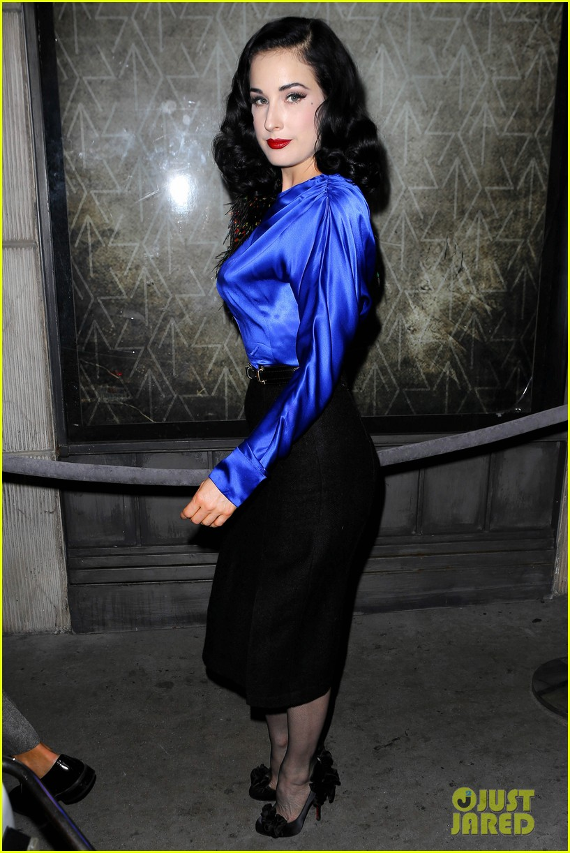 dita von teese prince sayers club performance 01