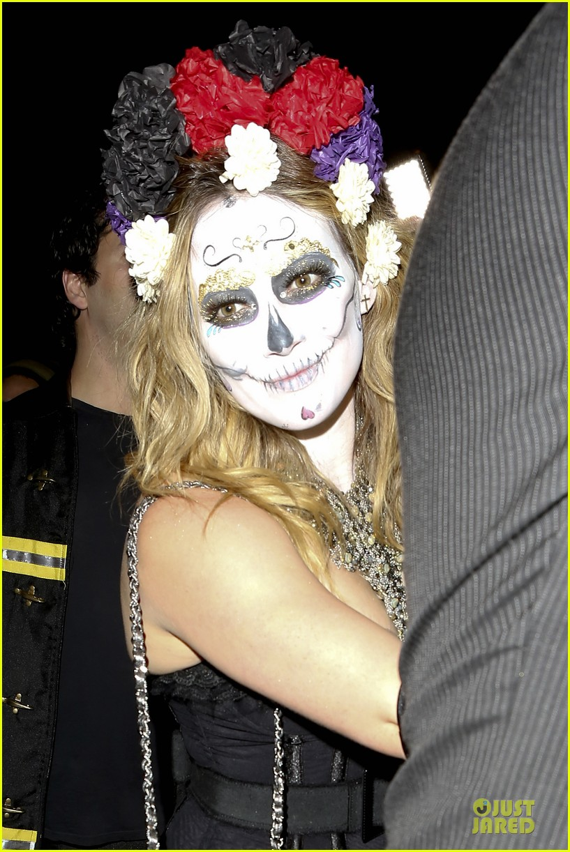 hilary duff mike comrie day of the dead halloween couple 02