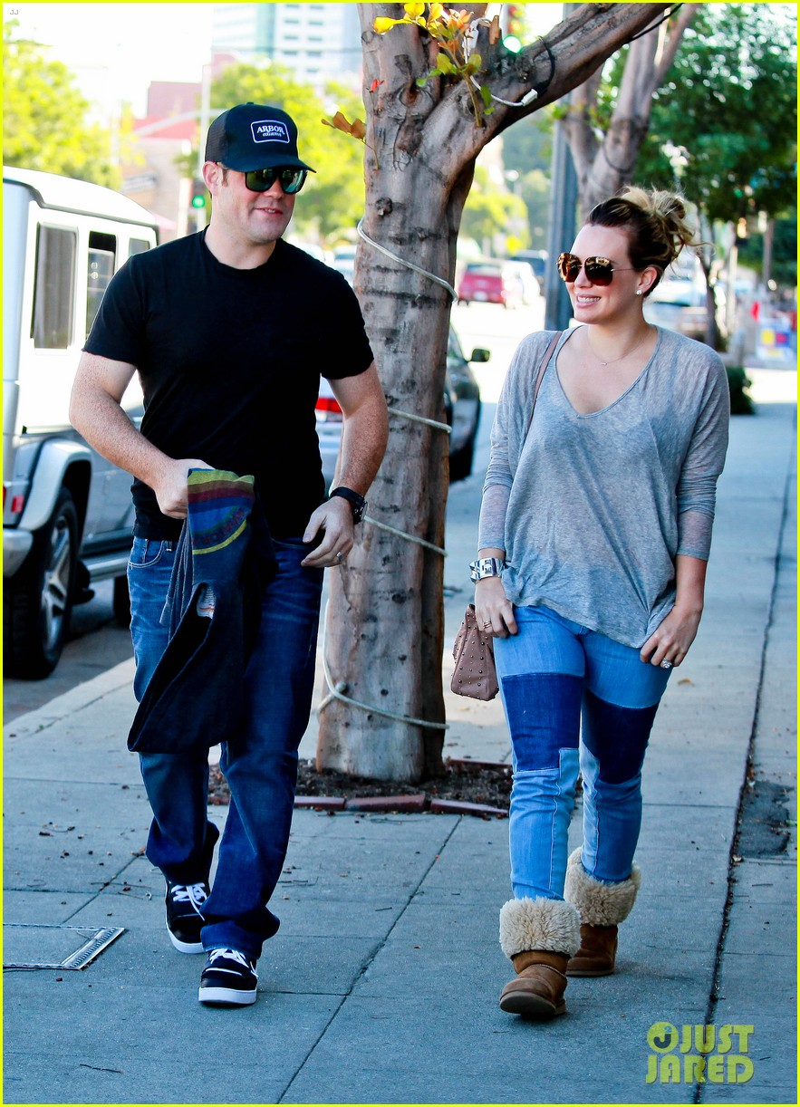 hilary duff mike comrie luca food shopping 01