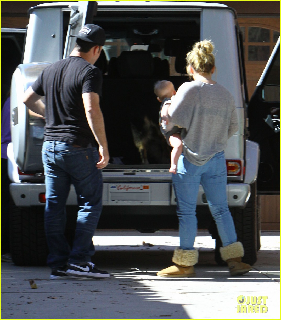 hilary duff mike comrie luca food shopping 03