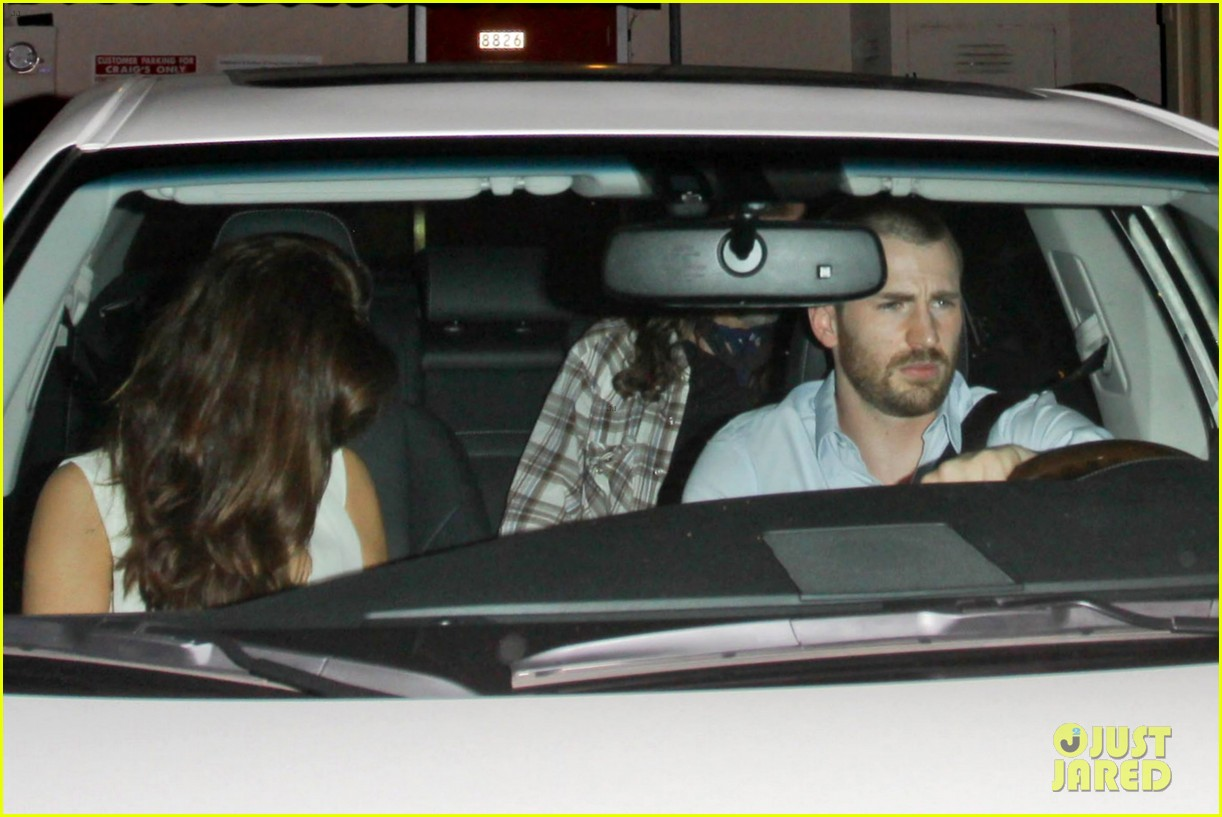 chris evans minka kelly new couple alert 01