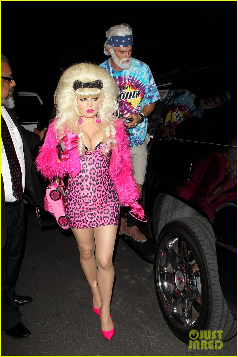 fergie angelyne halloween costume with josh duhamel 242746716