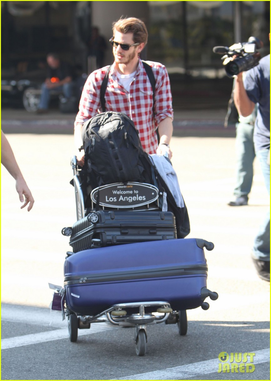 andrew garfield from london to lax 082731638
