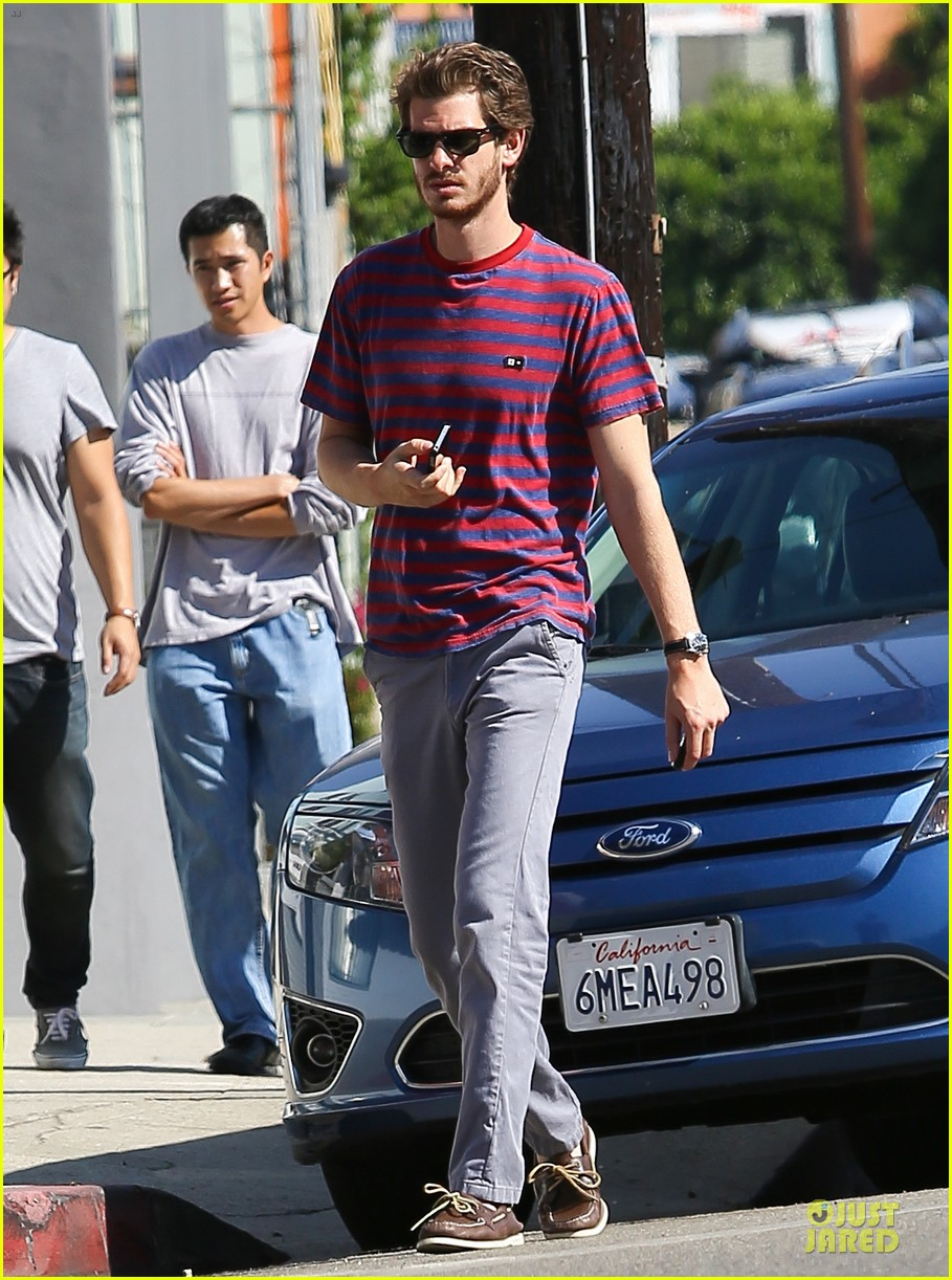 andrew garfield nautical sailing apparel shopping in venice 07